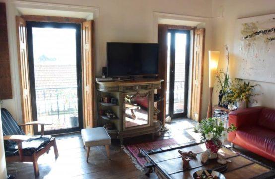 Appartement T3 + 1,  position centrale, avec charme Art Déco