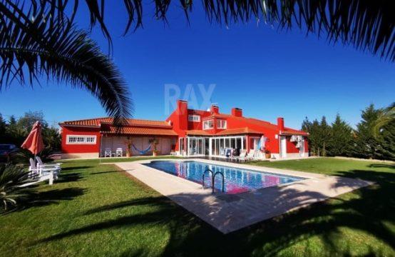 Excellente maison de ville de 4 chambres avec piscine sur terre avec arbres fruitiers et vignoble